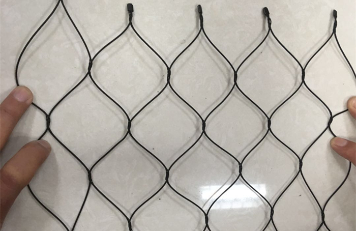 Black oxide stainless steel mesh sample